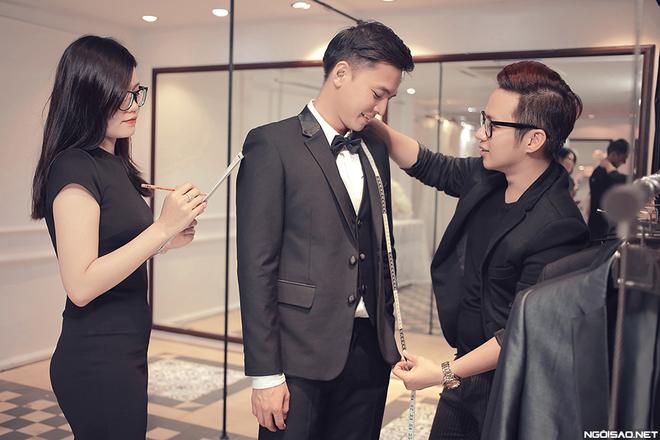 NTK Chung Thanh Phong chuẩn bị đồ cưới cho cặp đôi Văn Anh - Tú Vi